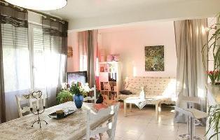 349946) Casa A 1.2 Km Del Centro De Saint-rémy-de-provence Con Internet, Aparcamiento, Terraza, Lava