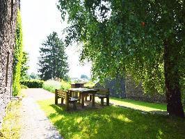 35809) Casa En Bouillon Con Aparcamiento, Terraza, Jardín