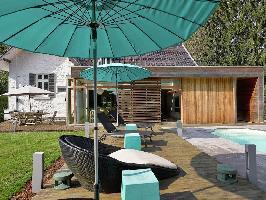 487975) Casa A 870 M Del Centro De Spa Con Piscina, Aparcamiento, Terraza, Jardín