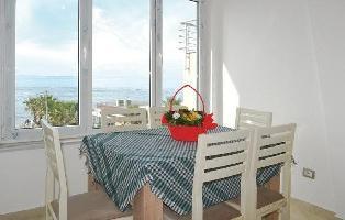 493829) Apartamento A 1.2 Km Del Centro De Durrës Con Internet, Aire Acondicionado, Lavadora