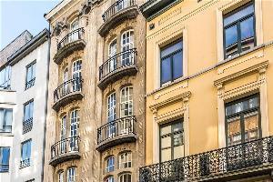 552946) Apartamento A 56 M Del Centro De Saint-gilles Con Ascensor, Balcón, Lavadora