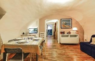 636545) Apartamento En El Centro De Nápoles Con Internet, Aire Acondicionado, Lavadora