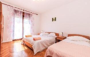 615392) Apartamento En El Centro De Crikvenica Con Internet, Aire Acondicionado, Aparcamiento, Terra
