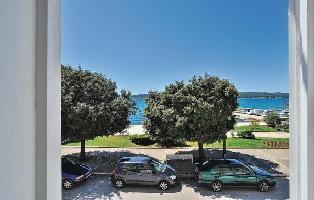 468389) Apartamento En El Centro De Sveti Filip I Jakov Con Internet, Aire Acondicionado