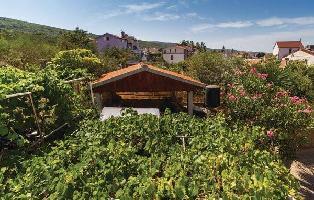 333801) Casa En El Centro De Punat Con Aire Acondicionado, Jardín