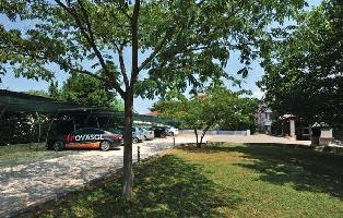 639936) Apartamento En El Centro De Sveti Filip I Jakov Con Internet, Aire Acondicionado, Jardín