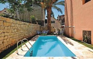 447425) Casa En El Centro De Split Con Internet, Piscina, Aire Acondicionado, Jardín