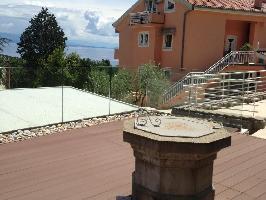 336051) Apartamento En El Centro De Lovran Con Piscina, Aire Acondicionado, Aparcamiento, Terraza