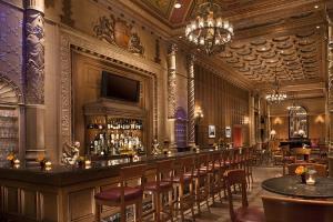 Hotel Millennium Biltmore La