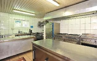 639935) Apartamento En El Centro De Sveti Filip I Jakov Con Internet, Aire Acondicionado, Jardín