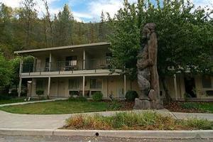 Hotel Cedar Lodge El Portal
