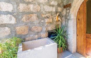 617728) Casa En El Centro De Punat Con Internet, Aire Acondicionado, Jardín