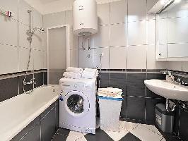 450232) Apartamento En El Centro De Lovran Con Internet, Aire Acondicionado, Ascensor, Aparcamiento