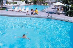 Hotel Sandcastle Resort At Lido Beach