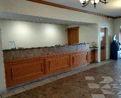 Hotel Napoleon Inn & Suites