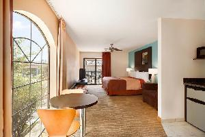 Hotel Indio Super 8 & Suites