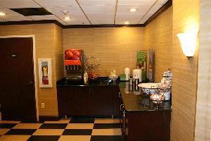 Hotel Hampton Inn Newark Airport