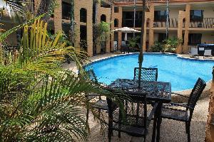 Oasis Inn Cairns