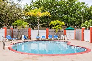 Hotel Quality Suites Fort Myers - I-75