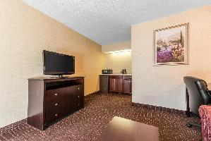 Hotel Quality Inn And Suites Conference Center