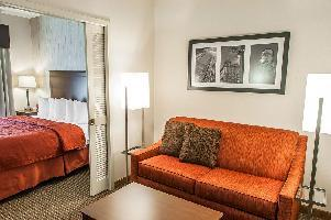 Hotel Quality Inn & Suites University