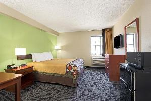 Hotel Super 8 Wichita East