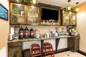 Hotel Comfort Inn And Suites Winnie