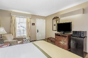 Hotel Baymont Inn & Suites Valdosta At Valdosta Mall