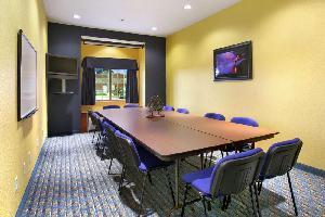 Hotel Microtel Inn & Suites By Wyndham Kearney