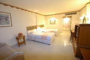 Hotel Lopburi Inn