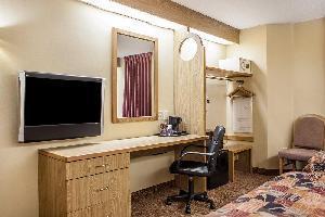 Hotel Rodeway Inn Mukwonago