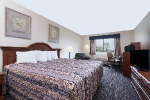 Hotel Baymont Inn And Suites Columbus / Rickenbacker
