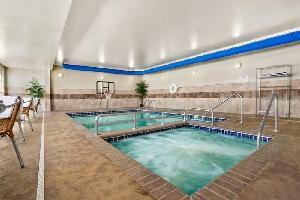 Hotel Baymont Inn & Suites Minot