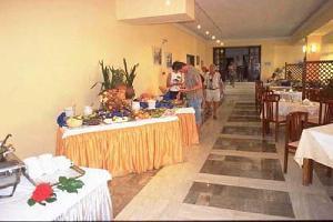 Hotel May