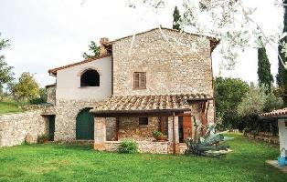 205315) Casa En Terni Con Piscina, Jardín, Lavadora