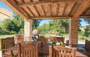 318807) Casa En Urbino Con Jardín