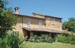 652769) Casa En Urbino Con Internet, Aire Acondicionado, Aparcamiento, Terraza