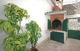 447398) Apartamento En El Centro De Makarska Con Internet, Piscina, Aire Acondicionado, Aparcamiento