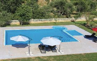449536) Casa A 714 M Del Centro De Solin Con Internet, Piscina, Aire Acondicionado, Jardín
