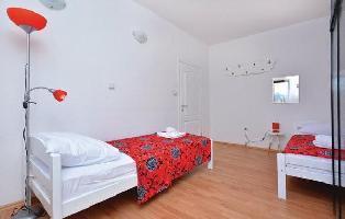 449543) Apartamento A 1.2 Km Del Centro De Solin Con Internet, Aire Acondicionado, Lavadora