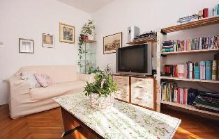 450316) Apartamento En El Centro De ?ibenik Con Internet, Aire Acondicionado, Aparcamiento, Jardín