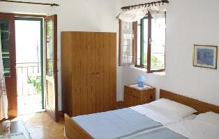 628028) Apartamento En El Centro De Hvar Con Internet, Aire Acondicionado, Jardín