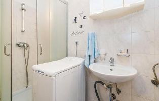 639972) Apartamento En El Centro De Lovran Con Internet, Piscina, Aire Acondicionado, Jardín