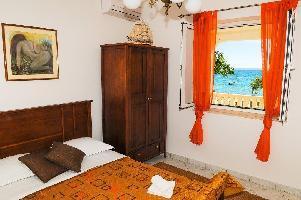 650851) Apartamento En El Centro De Podstrana Con Aire Acondicionado, Aparcamiento, Terraza, Lavador