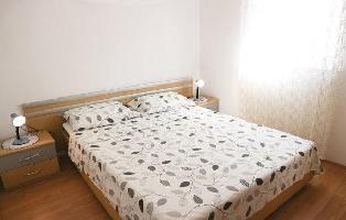 652795) Apartamento En El Centro De Mali Losinj Con Internet, Aire Acondicionado, Jardín, Lavadora