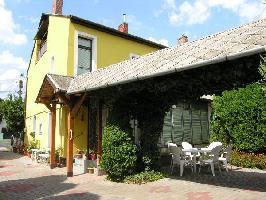 172961) Casa A 256 M Del Centro De Keszthely Con Piscina, Jardín