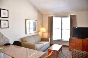Hotel Cresthill Suites Syracuse