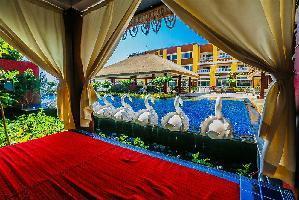 Hotel Mayfair Waves