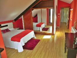 493876) Villa En Pontevedra Con Piscina, Aparcamiento, Terraza, Lavadora