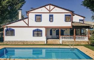 652586) Casa En Consuegra Con Internet, Piscina, Aire Acondicionado, Aparcamiento